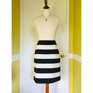 Bold B&W striped WHBM skirt, sz 10